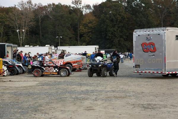 October 22, 2011 Redbud's Pit Shots Delaware International Speedway Champ Show Saturday