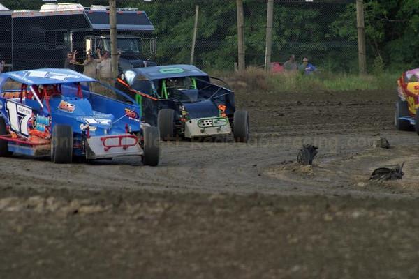 July 12, 2011 Redbud's Pit Shots Camp Barnes Delaware International Speedway
